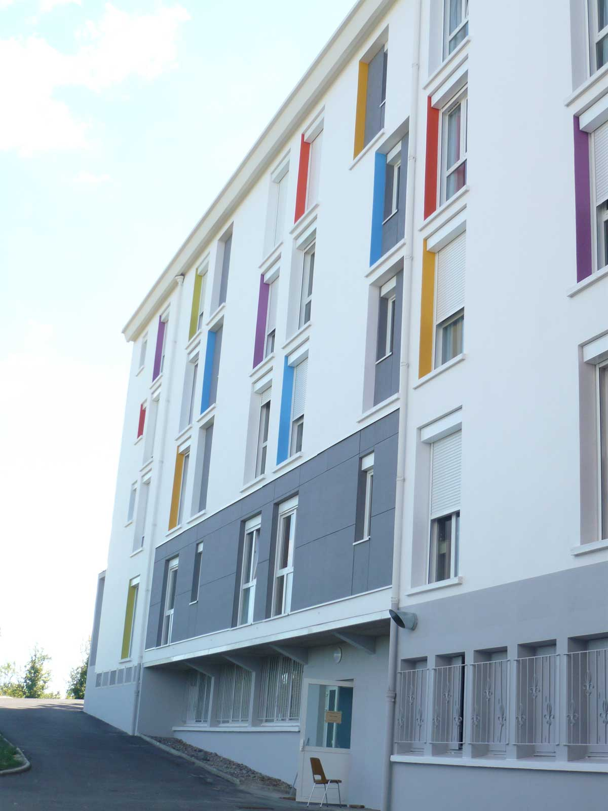 Façade bâtiment Etablissement MRS Le Cendre Gonin Architectes