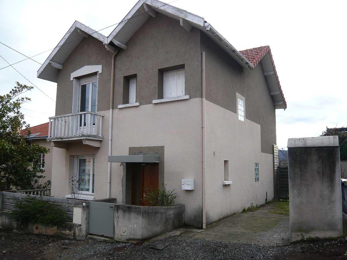 Facade avant l'extension de la maison BO Beaumont en Auvergne