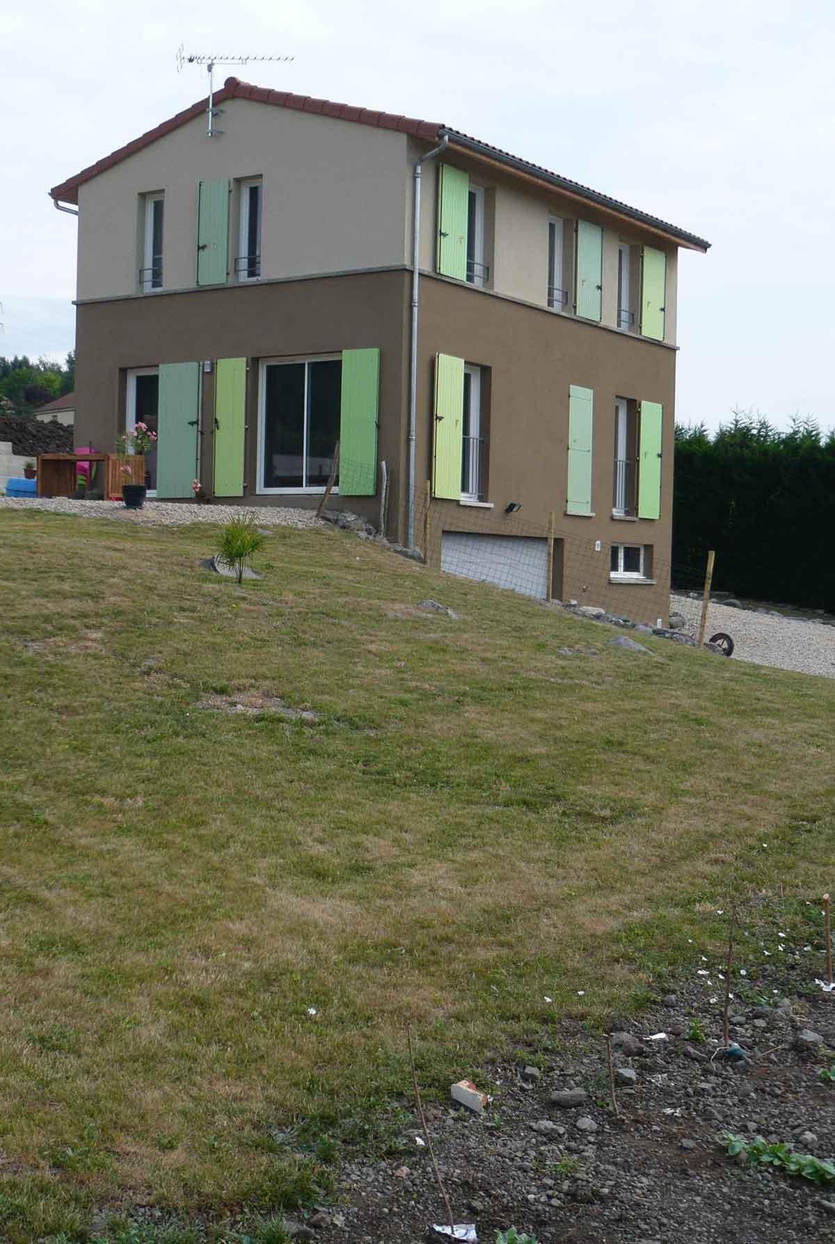 Vue d'e,nsemble de la maison CH (Auvergne)
