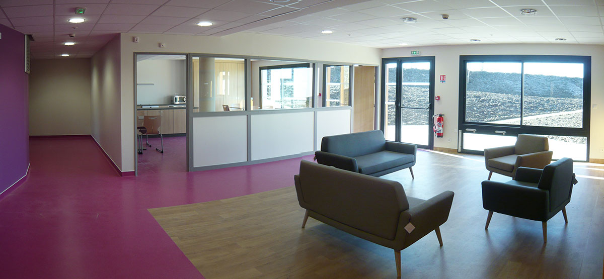 Intérieur salon violet de Pérignat sur Allier