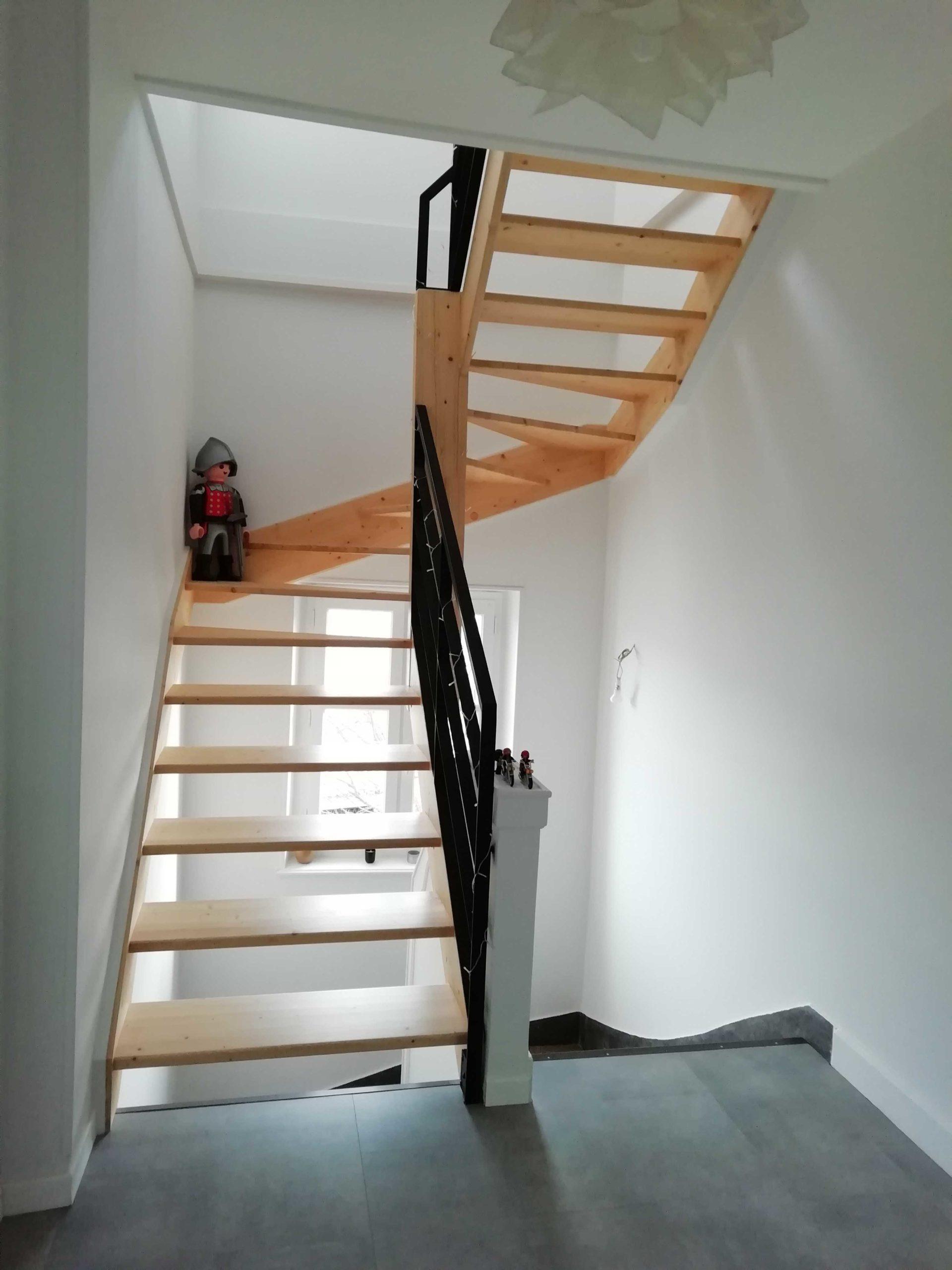 Nouvel escalier pour la surélévation