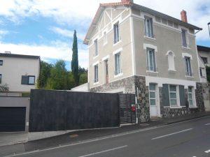 Photo vue de la rue de l'agence de Gonin Architectes à Clermont Ferrand dans le Puy De Dôme