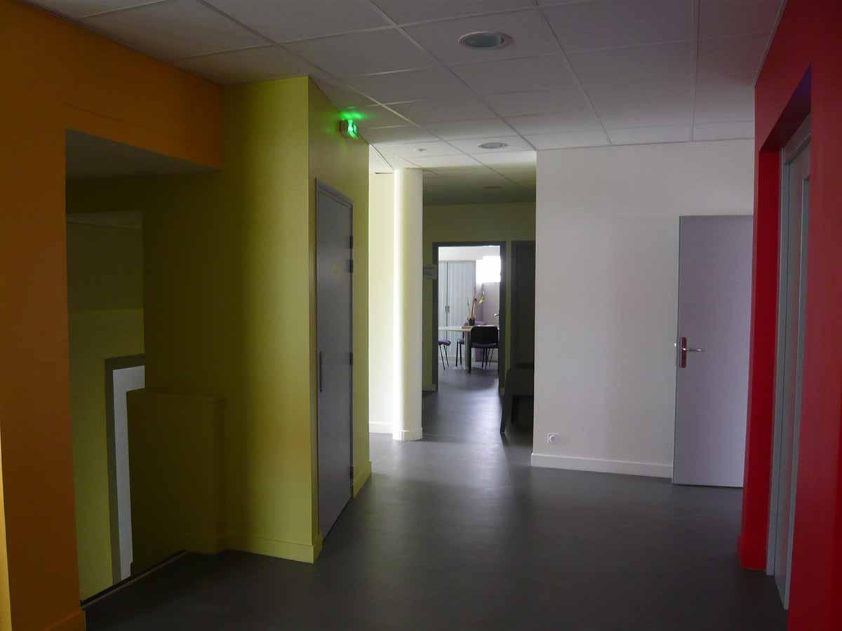 Couloir des bureaux du siège CMA