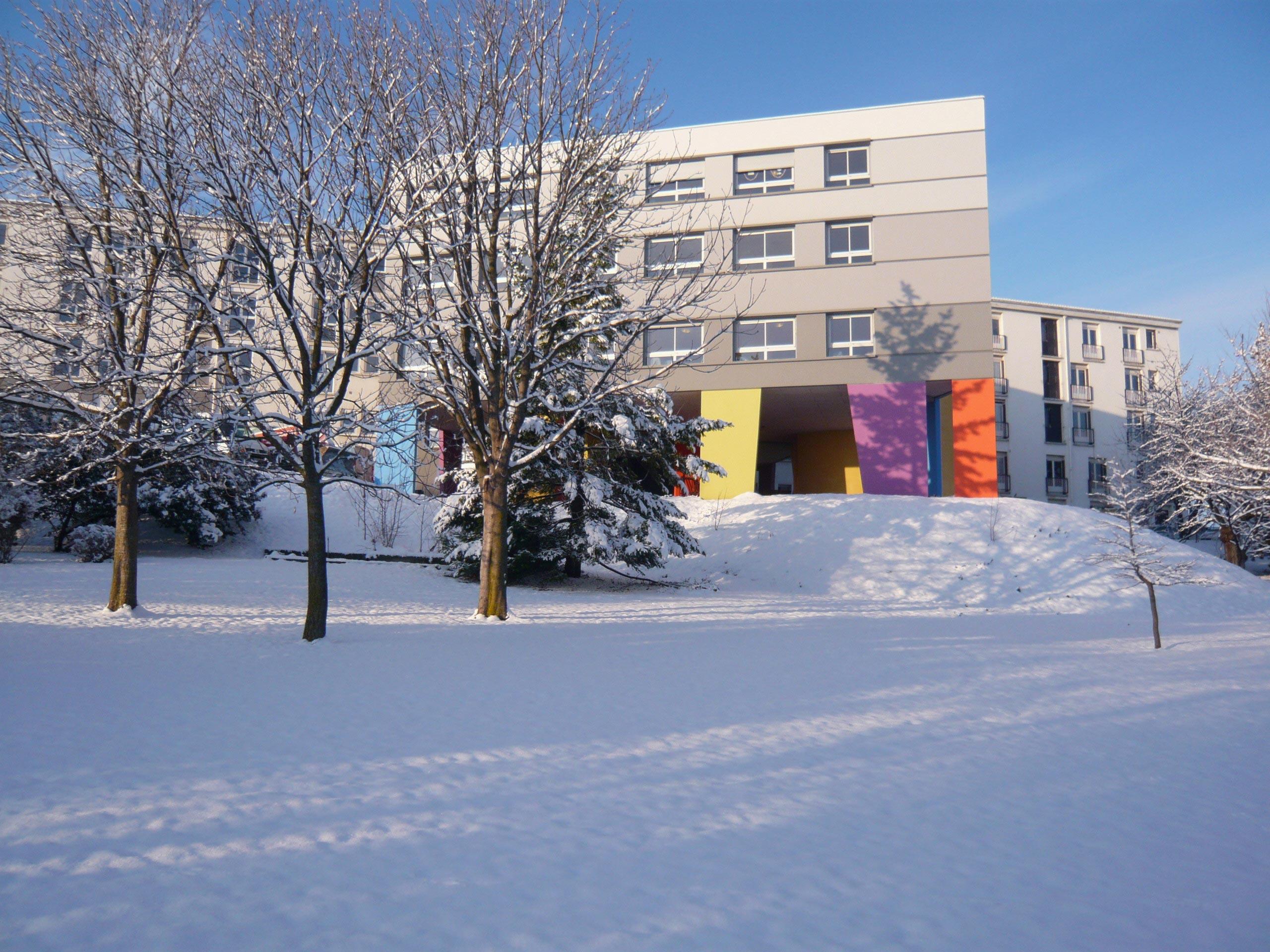 vue en hiver Etablissement MRS Le Cendre Gonin Architectes