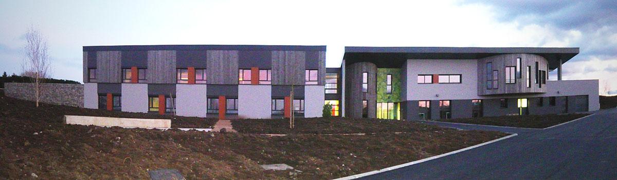 Etablissement du CMA façade nord en bois